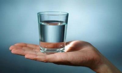 Можно или нельзя пить воду после удаления зуба?
