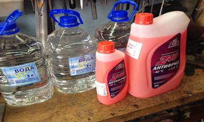 Дистиллированная вода в антифриз можно ли доливать и как правильно это делать?
