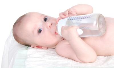 Почему ребенок в год, три и старше пьет много воды и когда это симптом заболевания?