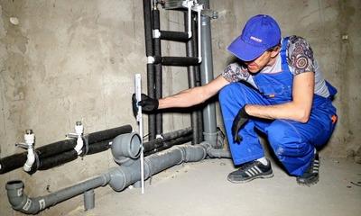 Как происходит замена стояка горячей воды в квартире?