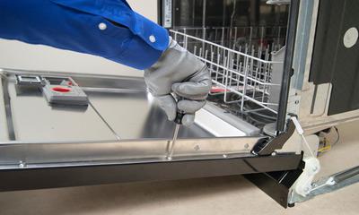 Когда необходима замена клапана подачи воды для посудомоечной машины и как правильно это сделать?