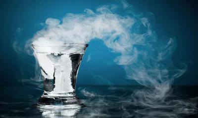 Как пить горячую воду для похудения, какая польза и вред от напитка?