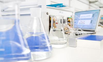 Самое важное об анализе бутилированной воды: для чего необходим, виды и что определяют в процессе