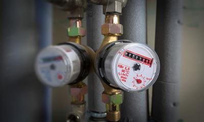 Какие меры предпринять, если счетчик горячей воды запотел изнутри?